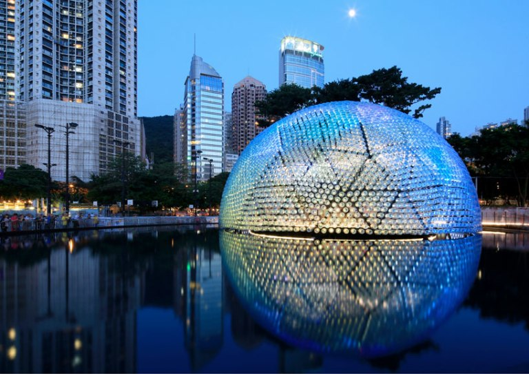 lantern-pavilion-made-from-recycled-water-bottles-designboom-01